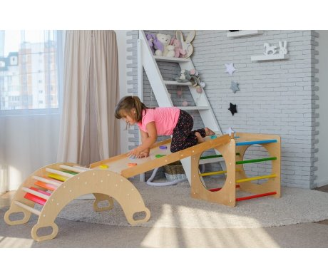 Beneficial effect of Pikler arches for kids